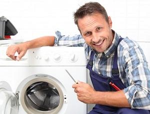 homme-repare-lave-linge
